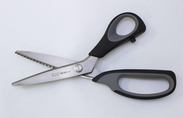 KAI Professional Pinking Shears Scissors Sawtooth Zigzag 9 ...