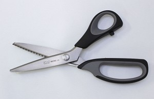 KAI Professional Pinking Shears Scissors Sawtooth Zigzag 9 inch (5350)