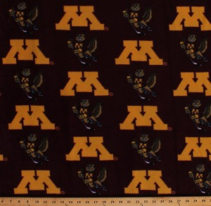 Fleece University of Minnesota Golden Gophers Hockey Goldy Gopher on Maroon College Sports Team Fleece Fabric Print by the Yard (A605.26)